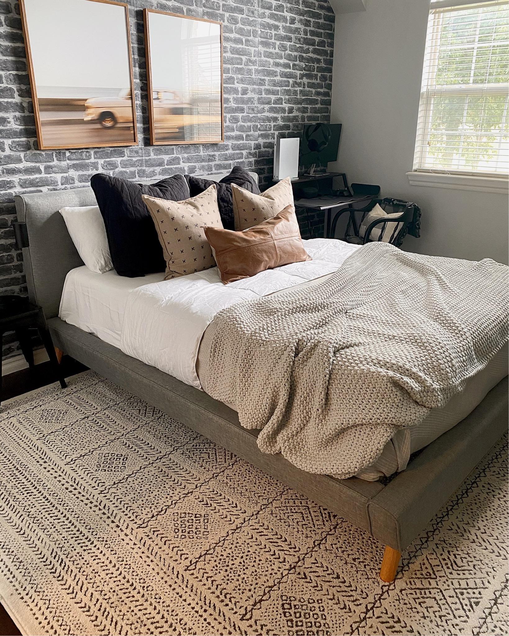 Casaluna Lightweight Down Blend Comforter