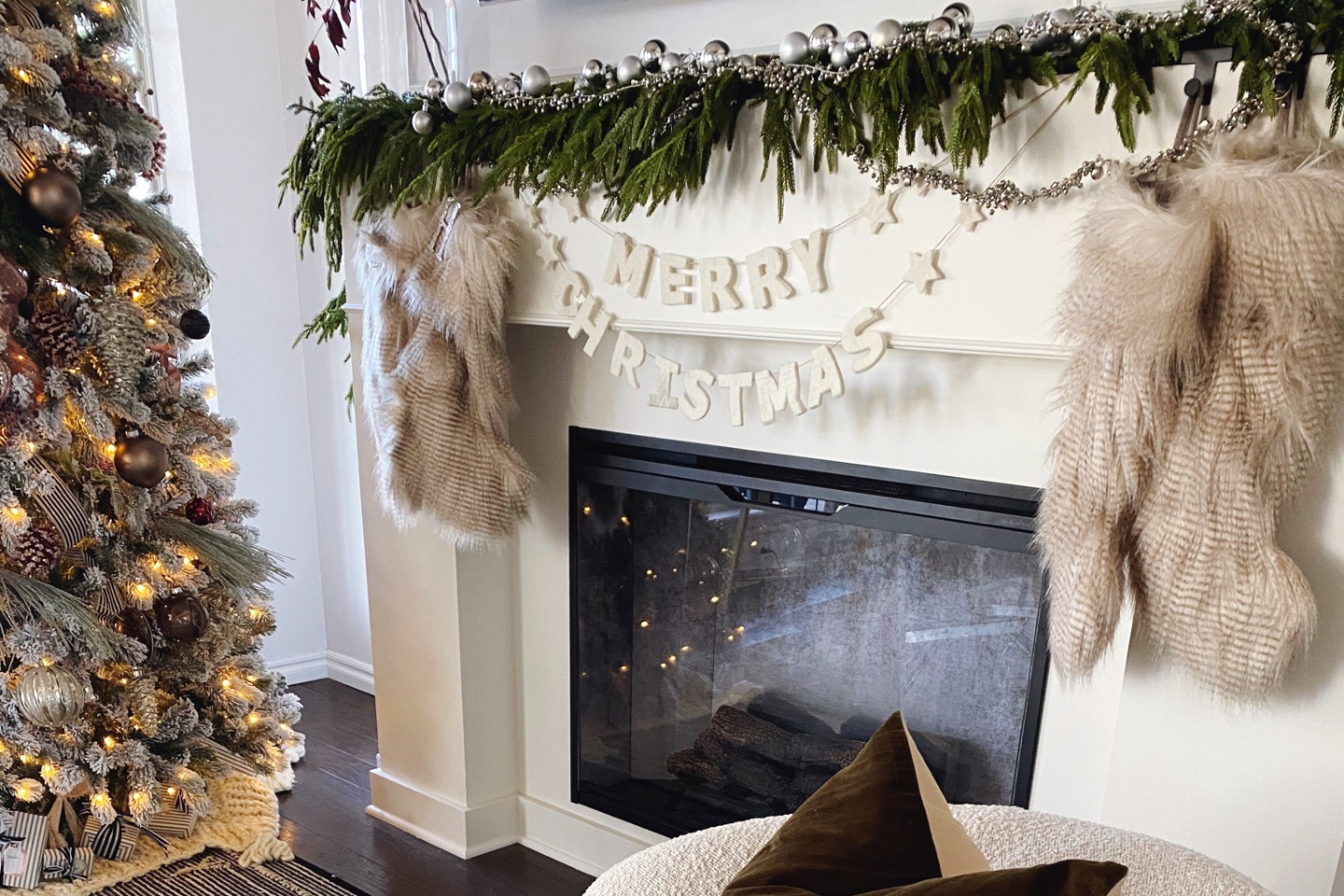 Shalia Ashcraft's Holiday Mantle
